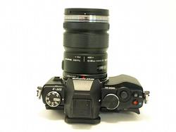 オリンパス OM-D E-M5 レンズキット(BLK)