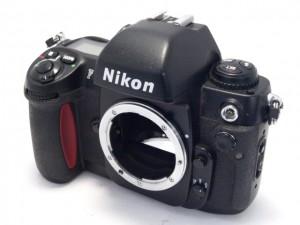 ニコン F100