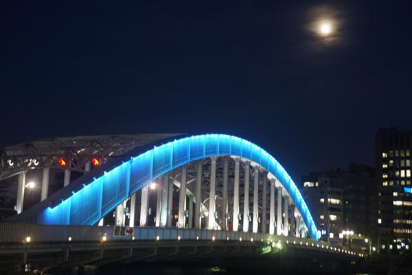 永代橋と月