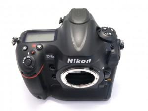 ニコンD4S