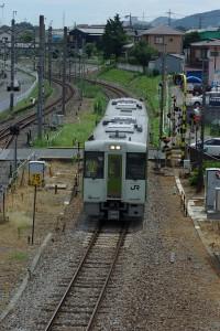 八高線といいます。ちなみに関東にもこんな列車が走っています