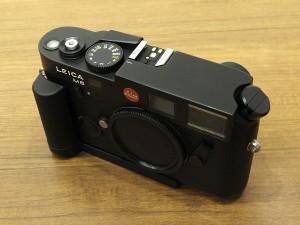 ライカ M6TTL(BK)0.72+ハンドグリップ・3