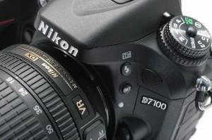 ニコンD7100 18-105