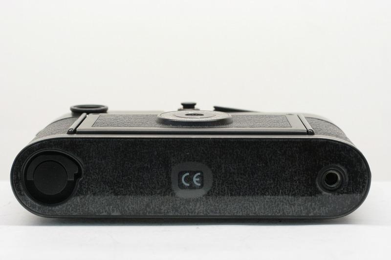 LEICA M6 BLACK 底部