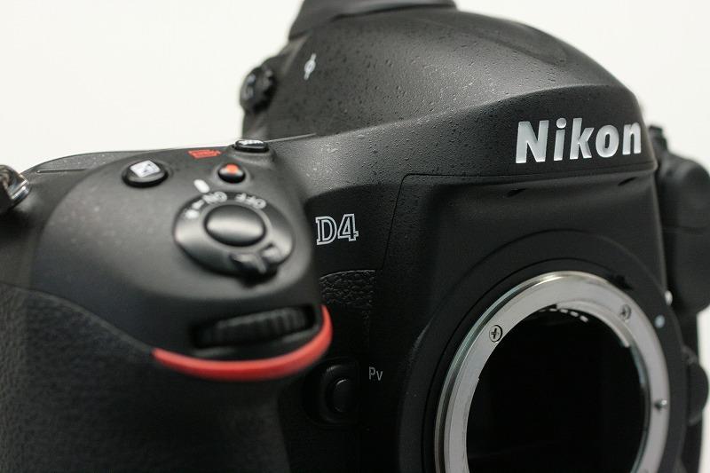 ニコン D4
