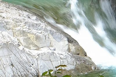 阿寺渓谷X-T1ベルビアノーマル-アップ