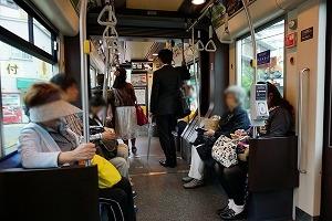 堺トラム車内
