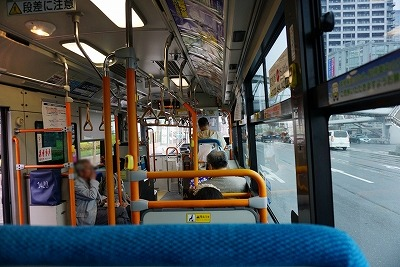 大阪市バス車内