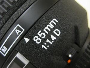 ニコン AF85/1.4D
