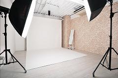 スタジオW2700白バック紙+レンガバック